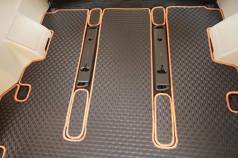 三菱 デリカD:5 ロングラゲッジマット