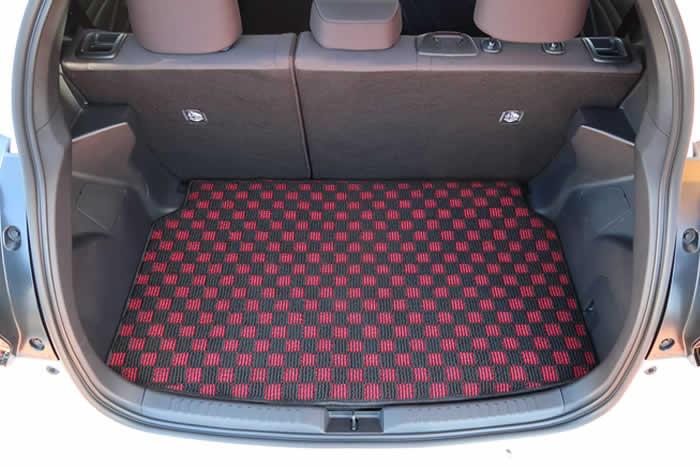 ↑アジャスタブルデッキボード装着車↑